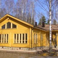 Дом из клееного бруса полутороэтажный