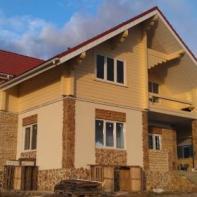 Дом из профилированного бруса с высокими потолками